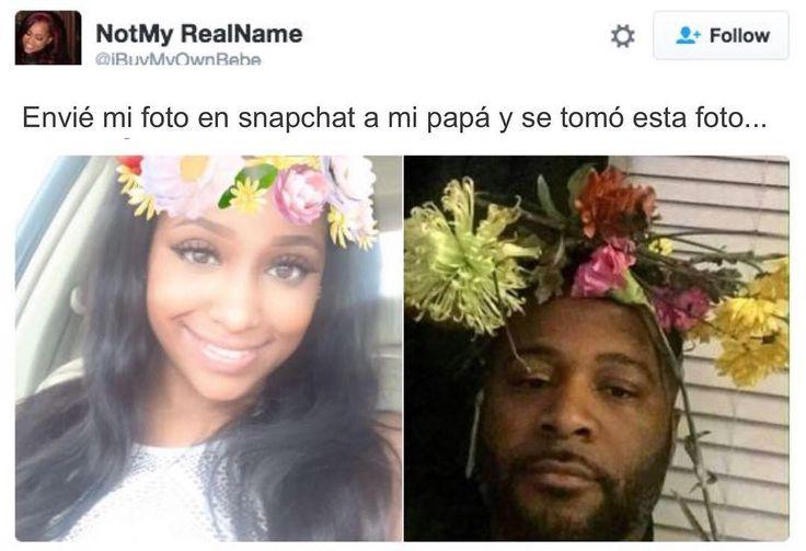 """Envié mi foto en snapchat a mi papá y se tomó esta foto...""  Feliz sábado familia #afroestilo!"