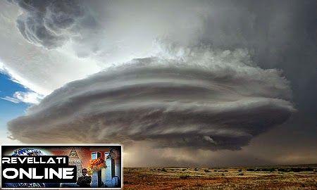 Disso Voce Sabia?: Nuvens estranhas e enormes surgiram nos termos da Área 51