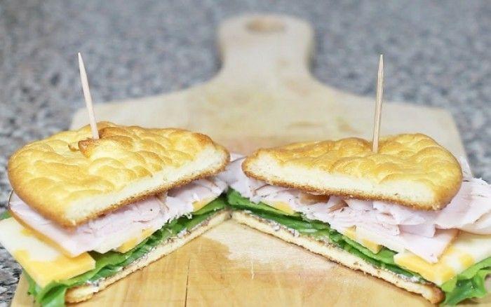 Το cloud bread είναι ένα σνακ χωρίς γλουτένη και με ελάχιστους υδατάνθρακες.