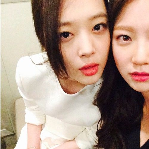 Gong Seung Yeon and Sulli