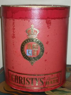 Christyu0027s Of London Top Hat Box.