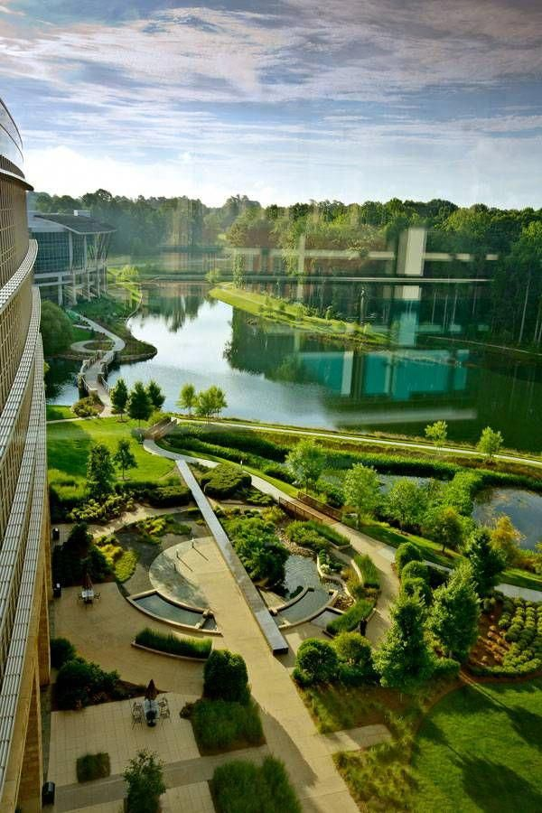 Lowes Corporate Headquarters Cracks The Corporate Mold Landscapearchitecture Arquitectura Paisajista Paisajes Diseno De Jardin