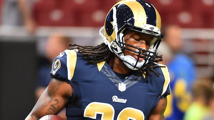 Fantasy start/sit advice, Week 3: Todd Gurley set to make debut By Michael Gallagher  @MikeSGallagher on Sep 27, 2015, 7:04a -    Todd Gurley is on track to make his NFL debut. Should fantasy owners start him right out of the gate?