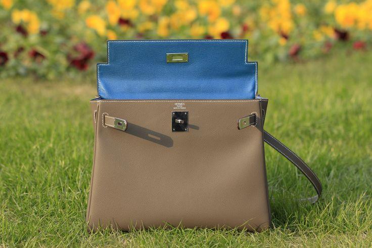 Kelly bag 32 etoupe with blue hydra lining