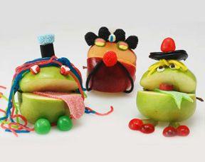 Des recettes en anglais pour Halloween : toasts momies, os miniatures et monstres pommes
