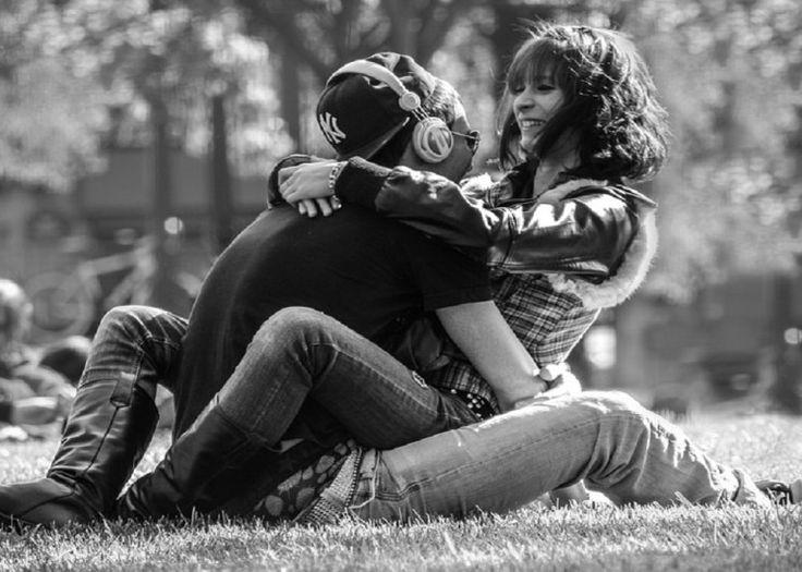 Como seducir a una mujer  A la hora de la seducción existen innumerables estrategias que podemos poner en práctica para alcanzar nuestro objetivo. No hace falta ser un galán de telenovela para conquistar a la mujer que nos atrae sólo es cuestión de saber estar a la altura de la situación en todos los casos que se nos presente.  Para lograr seducir una mujer es muy importante que comprendas cómo funciona la psicología femenina ellas se manejan por ciertos estados emocionales que permiten que…