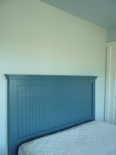 DIY headboard - I want one with a natural look.
