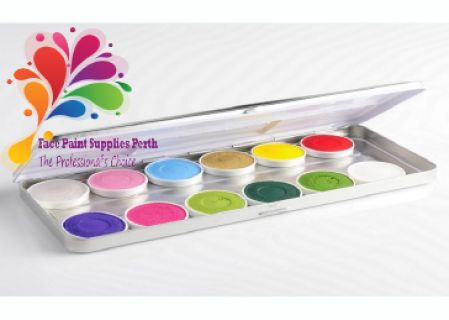 Great tester or compact kit. Tin includes 5g of each colour - Metallic Silver, Metallic baby Pink, Metallic baby Blue, Metallic Gold, Yellow, Red, Purple, magenta, Light Green, Dark Green, Green, and White.  These cakes are a creamier brand of paint that provide vibrant colours with great coverage and seamless blending.