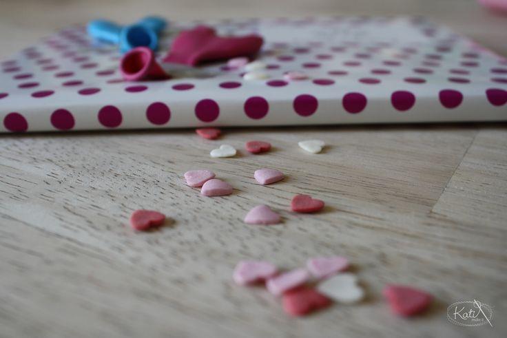 Verpackungsliebe  http://www.katimakeit.blogspot.de/2015/02/valentins-tischkartchen-diy.html