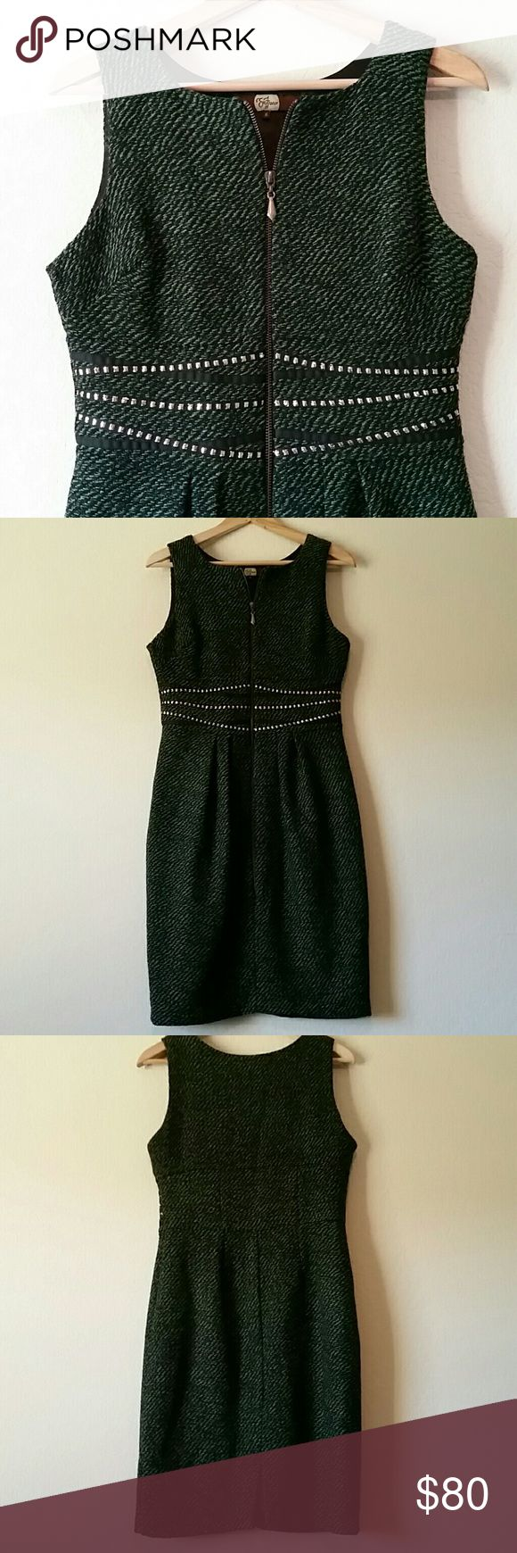 """Eva Franco Green Tweed Zip Dress size 6 Gorgeous green tweed with exposed front zipper and embroidered waist. Measures approximately 17"""" from pit to pit, 15"""" flat across waist, 37.5"""" long. Eva Franco Dresses"""