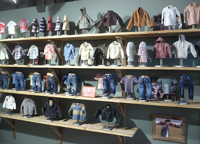 For some reason I super-like these mini Levi's items a store had commissioned: Usrr Clothing, Levi S Items, Levis, Minis, Mini Levi S, Random Stuff, General Inspiration