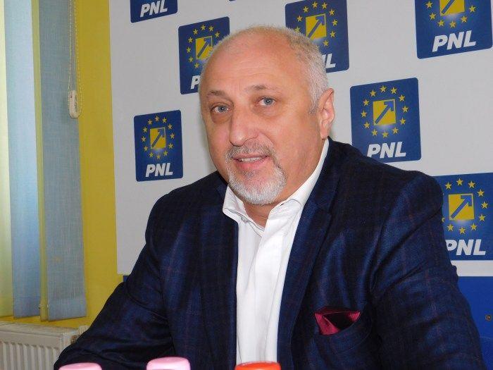 Marea familie PNL și-a făcut bilanțul. Vezi ce spune senatorul Șoptică :http://www.informatorulbt.ro/marea-familie-pnl-si-facut-bilantul-vezi-ce-spune-senatorul-soptica/