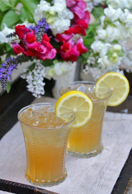 Arnold Palmer Drink :: the drink of the south, 1/2 sweet tea and 1/2 lemonade by @Malinda White Ennis L Southern Peach