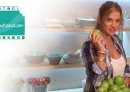 Η έμπειρη σεφ Μυρσίνη Λαμπράκη μάς υποδέχεται... στην κουζίνα και μας προτείνει μεγάλη ποικιλία από ευφάνταστες, νόστιμες, εύκολες και οικονομικές συνταγές για �%B