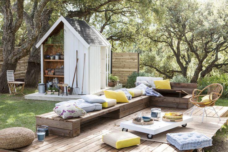 Pour profiter des beaux jours au coeur de son carré de verdure, le salon de jardin est un incontournable. Pour lequel allez-vous craquer ?