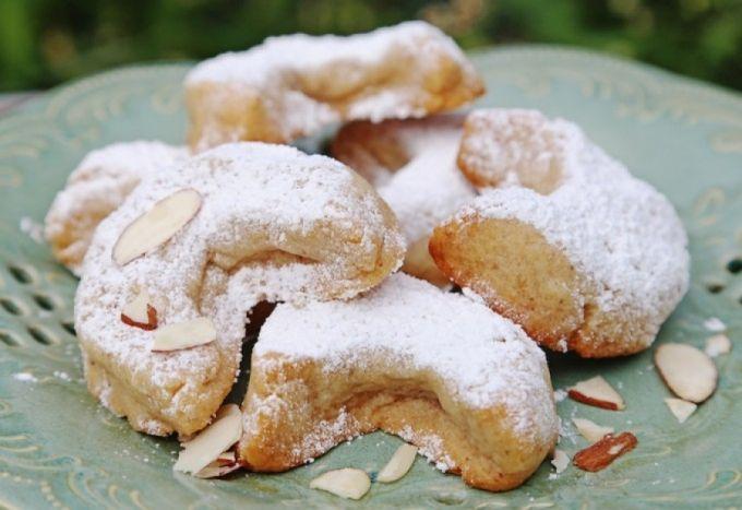 Shakarlama – Georgian butter cookies with almond