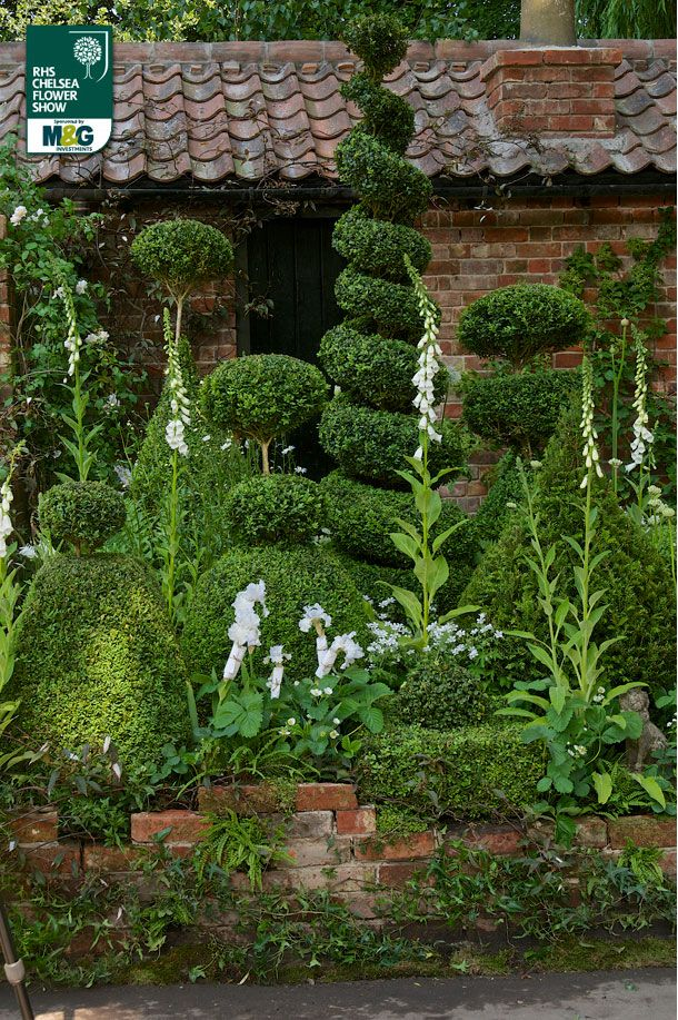 RHS Chelsea Flower Show - Artisan Garden -The Topiarist Garden at West Green House Zenith44 Marylyn Abbott