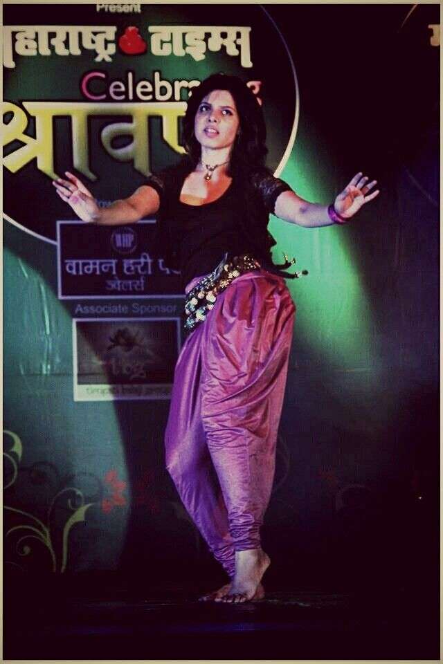 Neha Pednekar winner of Shravan Queen 2014 Attempting Contemporary and Belly Dancing Fusion