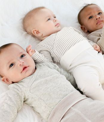 I like the smell for the newborn ,it's so cute . My untie she Rebirth three twins Slama , Saif and Saeed .