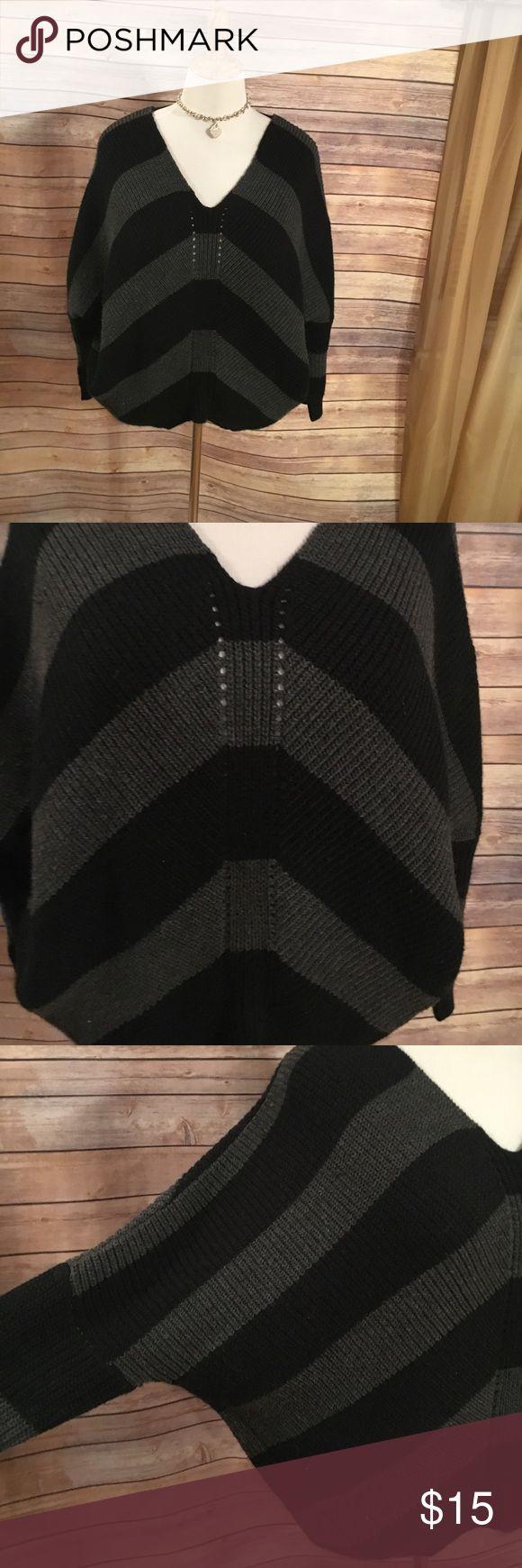 Charlotte rouse size medium large Bat winged black and grey striped vneck sweater Charlotte Russe Sweaters V-Necks
