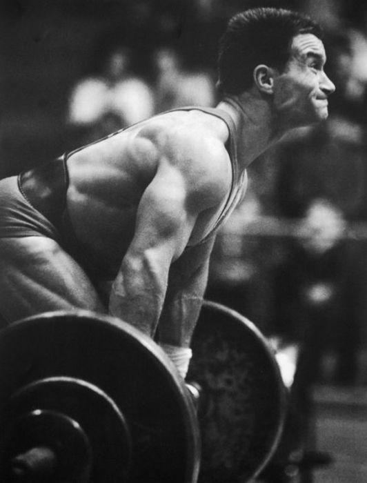 1972, München. Földi Imre világcsúccsal lett olimpiai bajnok. Az IWF által az évszázad súlyemelőjének is megválasztott sportoló öt olimpián vett részt és 37-szer javított világcsúcsot.
