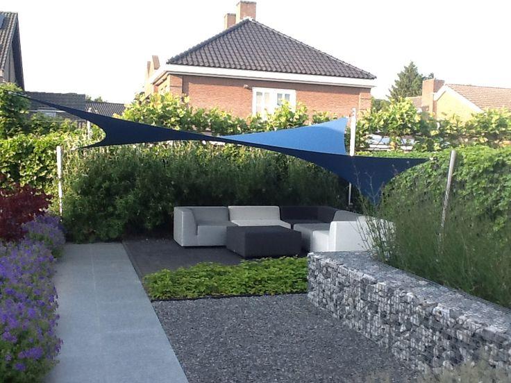 25 beste idee n over zonnezeil op pinterest buiten schaduw achtertuin schaduw en zonnezeilen for Schaduw een terras