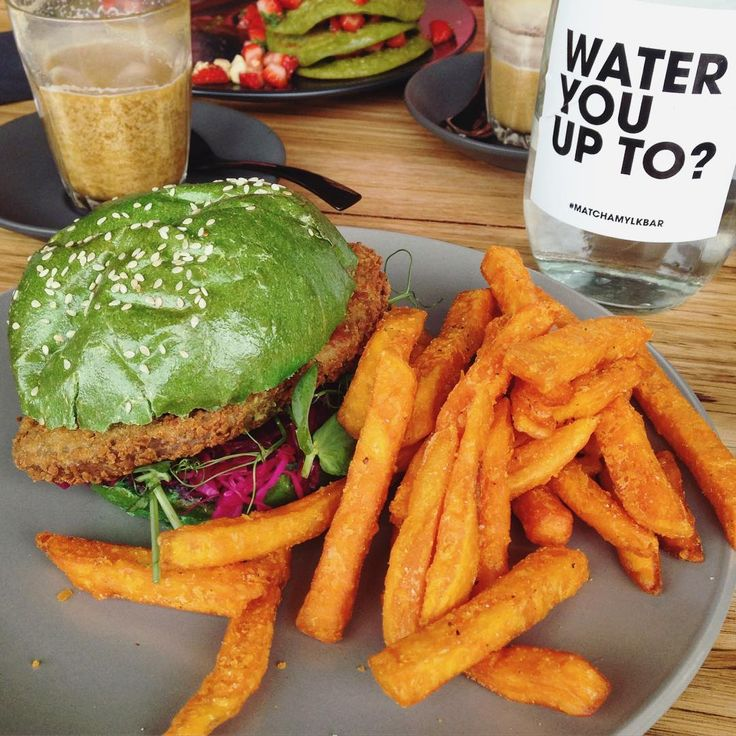 Your eyes do not deceive you, that is in fact a green burger  @matcha_mylkbar has just opened up on Acland St in St Kilda serving up unbelievable plant-based vegan dishes! ✌️ This may be my new local  #matchamylkbar #stkilda #aclandstreet #plantbased #vegan #veganmelbourne #animalsarefriendsnotfood