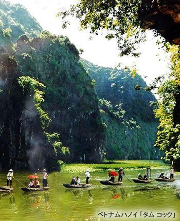 「陸のハロン湾」と呼ばれるタムコックでボートクルーズ。 ハノイ旅行のおすすめ見所・観光アイデアまとめ。