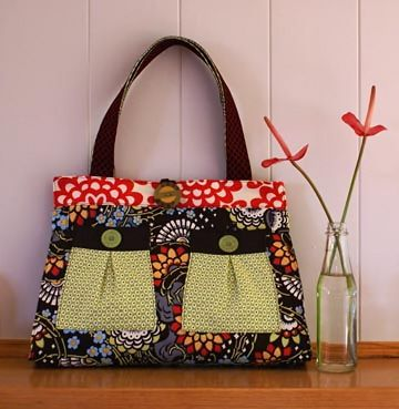 free patterns for handmade fabric purses | purse pattern that is the perfect size for everyday use