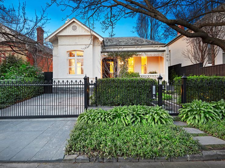 6 Norman Avenue South Yarra