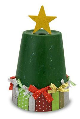 Presents under the Christmas Tree _ #Christmas #DIY Paint Project #Holiday Decor #DIY Painted Flower Pot