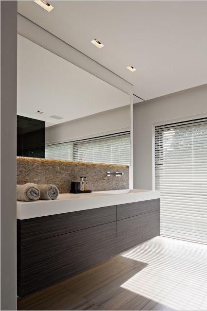 Badkamermeubel zwart met grote spiegel