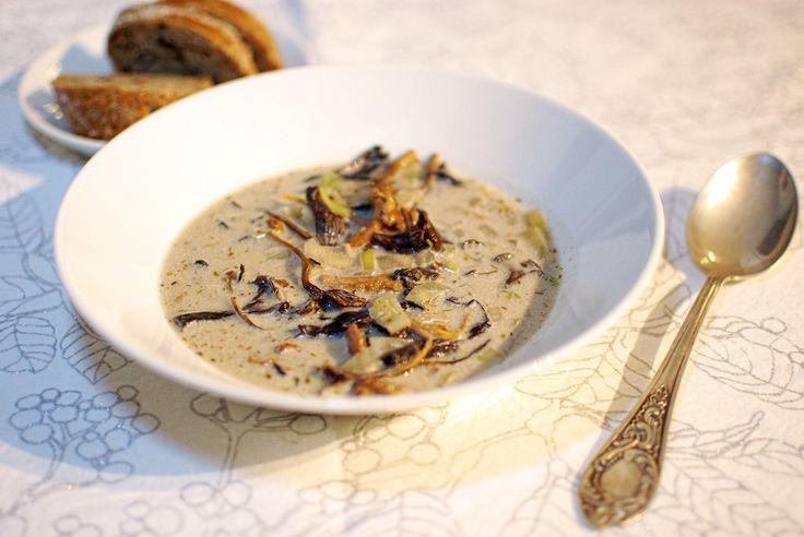 Vegan creamy forest mushroom soup | A House of Lemons