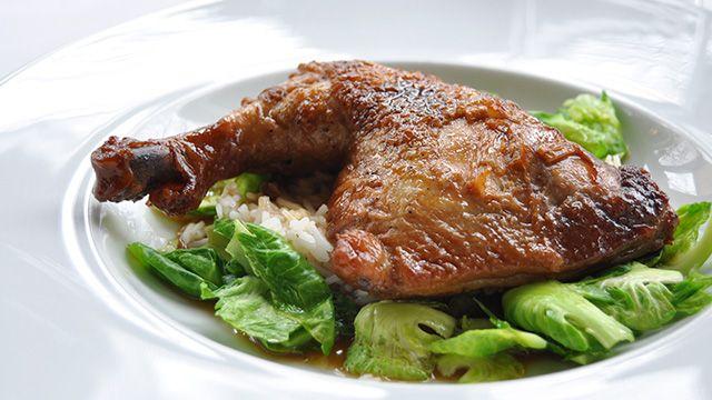 Cuisses de poulet braisées à la sauce soya de Maxime Durand | Recettes-de-chefs.ca