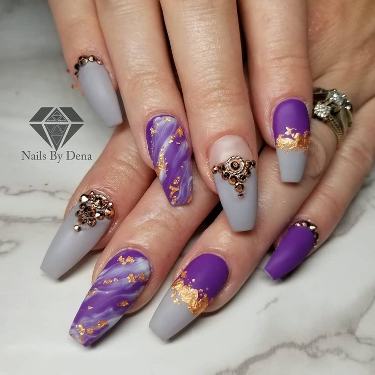Amazing Purple Amp Grey Coffin Nails Art Design With Gold Glitter Amp Diamonds Coffinnails Co