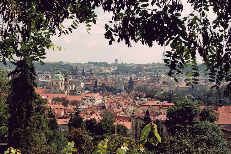 #Praha - Widok na Małą Stranę ze wzgórza Petrzin  #Prague, #Prag, #Praga - jakkolwiek ją nazwiemy, zawsze jest piękna... :)  #SlightlyDelicious