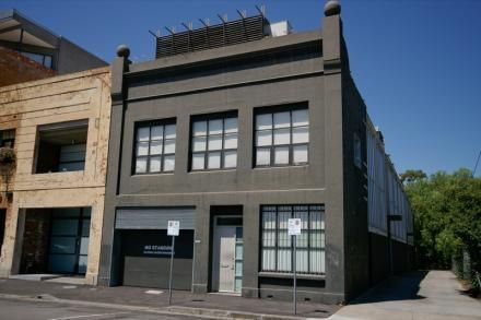 3 Austin Way  FITZROY NORTH $495 per week @ domain.com.au apartment over three levels with private balcony and two bedrooms. a bit cold.