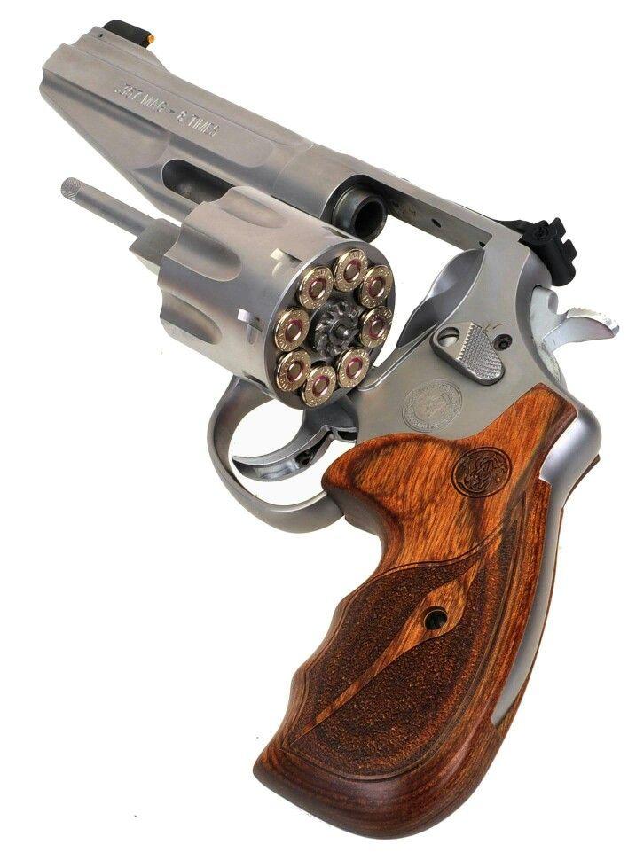 S & W 627-5 8 shot 357 mag. Find our speedloader now! http://www.amazon.com/shops/raeind