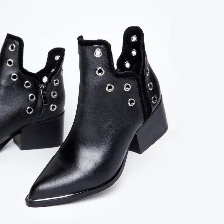 Void Shoes | NYLON SHOP