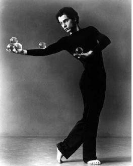Michael Moschen   Master Juggler