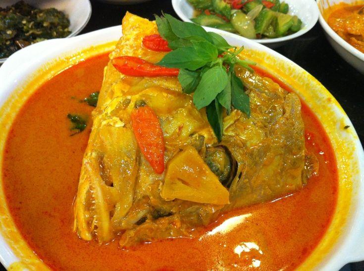 snapper curry fish gulai kepala kakap padang