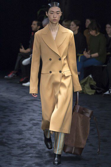 Loewe Fall 2017 Ready-to-Wear Fashion Show Collection
