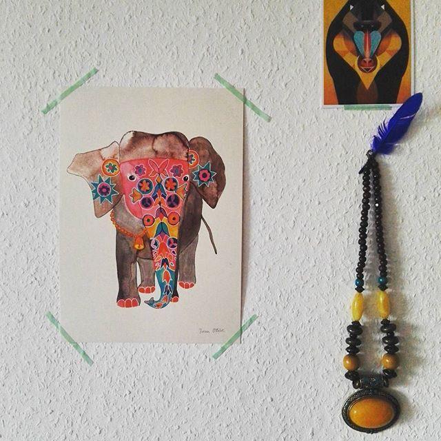Draußen Dauerregen, aber dieser zauberhafte indische Elefant erweckt Sommer und Fernweh-Gefühle! Danke liebe Andrea & lieber Sebastian @frauottilie für diese Überraschung! Ich wünsche euch einen tollen und inspirierenden Urlaub! #ichhabdietollstendesigner #baldauchimshop #designzimmer #fernweh #indien #meinhalbesherz #elefant #frauottilie #illustration #kunst #design #kunstdruck #poster #happysunday #dieterbraun #mandrill #hannover