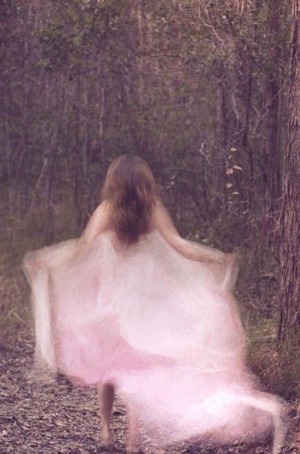 :)Inspiration, Dreams, Girls Photography, Blur Art, Beautiful, Enchanted, Pink, Fashion Photography, Fairies Tales