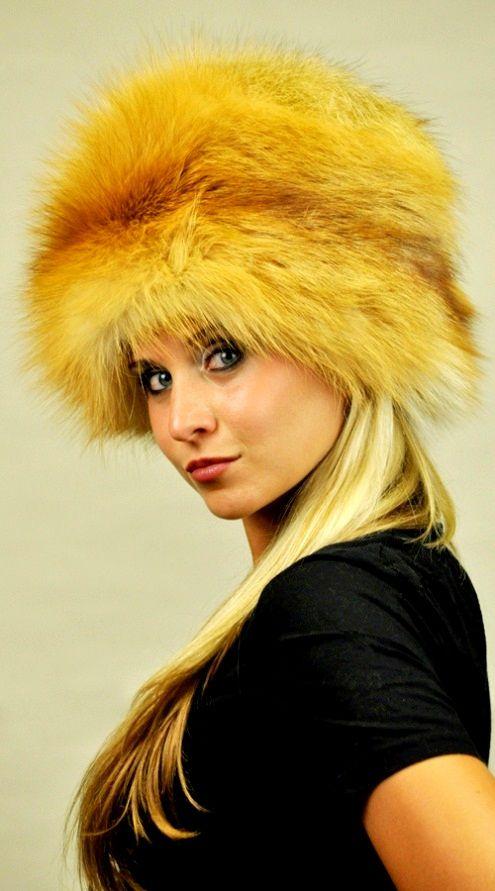 Cappello classico in autentica pelliccia di volpe golden  www.amifur.it