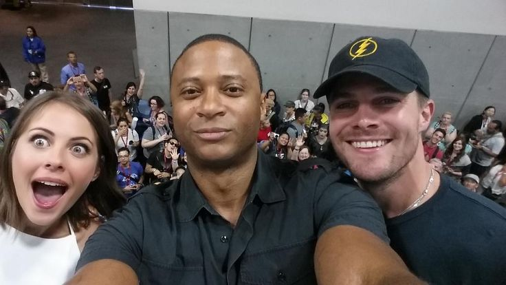 Willa Holland, David Ramsey, and Stephen Amell