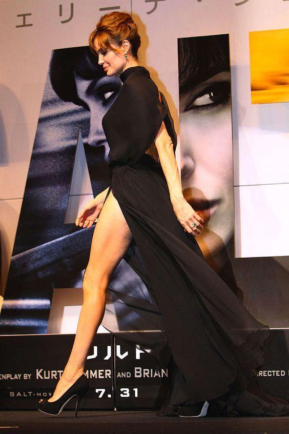 https://i.pinimg.com/736x/52/e4/55/52e455ffd0e4191627485eda1454e42c--sexy-legs-angelina-jolie.jpg
