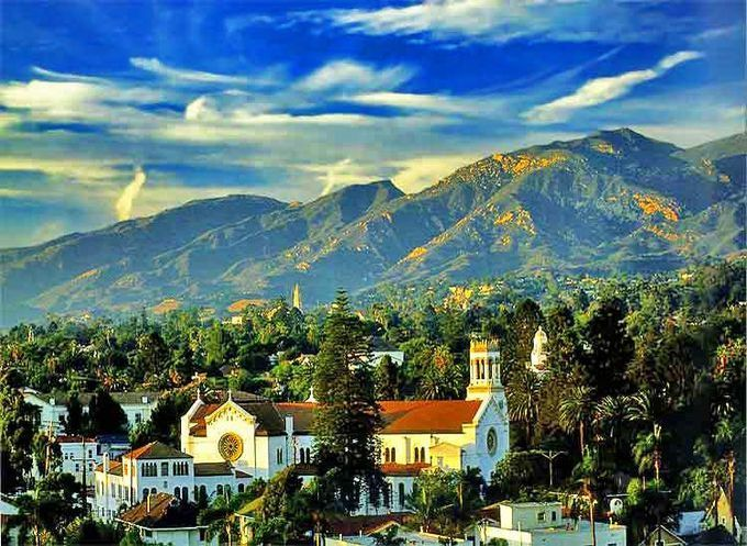 アメリカで一番美しい街!カリフォルニア「サンタバーバラ」の魅力とは
