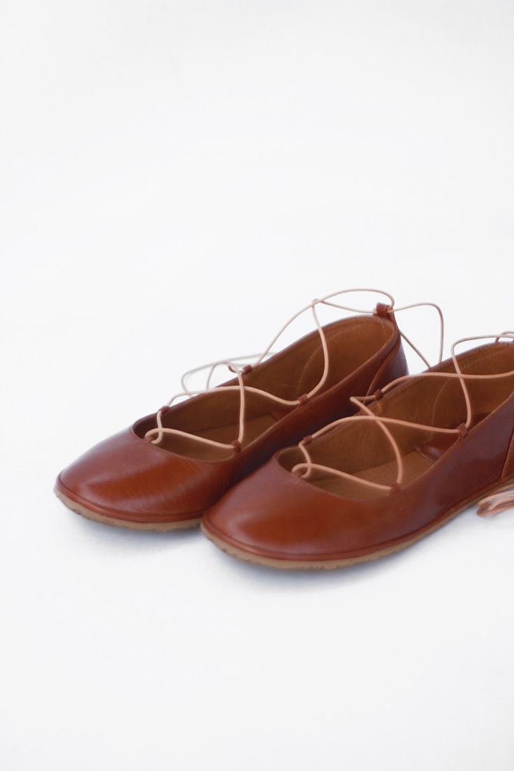 Image of Ballet flats - Lace up in Warm Brown