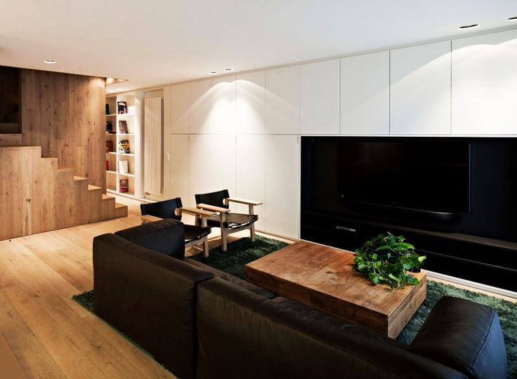 Home Design, Comfortable Vivienda En Arnedo Residence TV Room Involving Brown Sofa Wooden Chairs And Coffee Table With Centerpiece: Fantastic Modern Contemporary House Design Ideas With Monochrome Theme